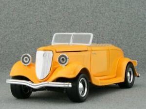 FORD Custom - 1934 - yellow - MotorMax 1:24