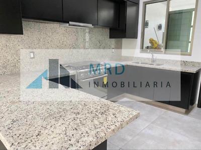 Casa en venta en Fracc Puerta Tres Marias Norte, Morelia. Acabados de lujo