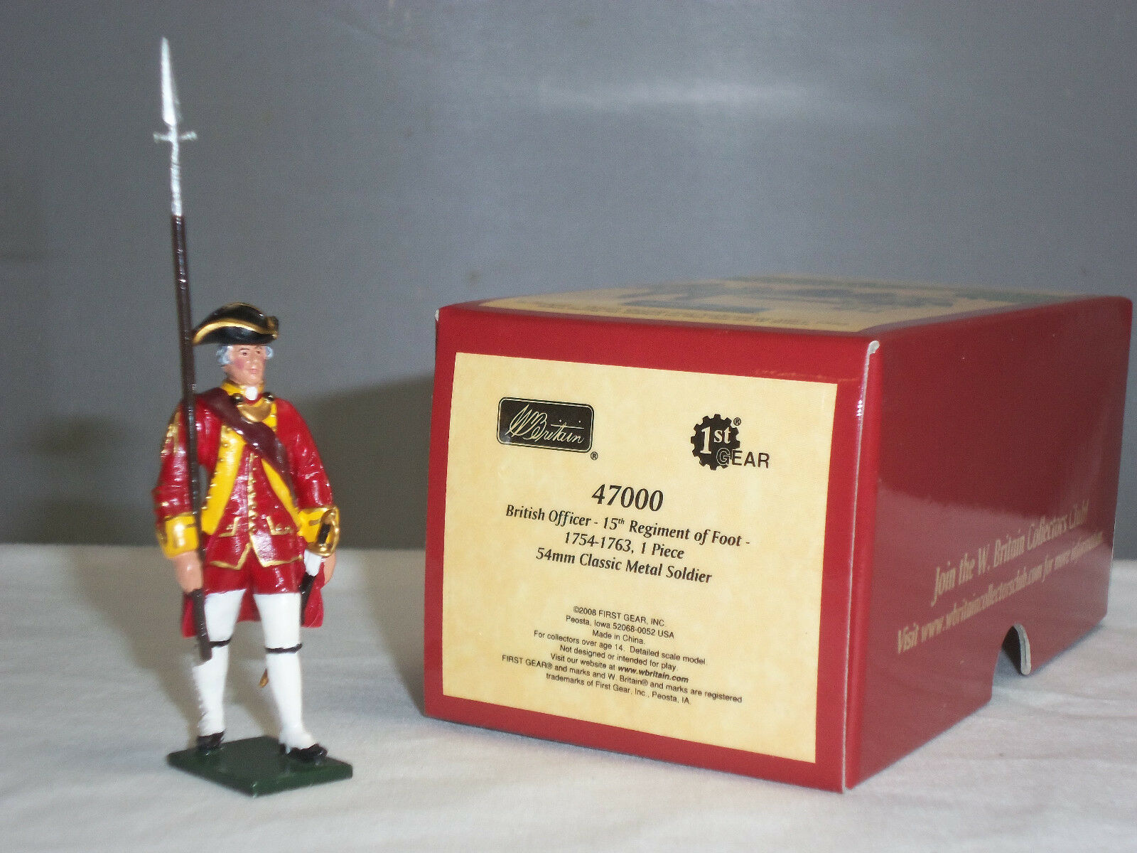 BRITAINS 47000 REDCOATS BRITISH 15TH REGIMENT OF FOOT OFFICER METAL TOY SOLDIER