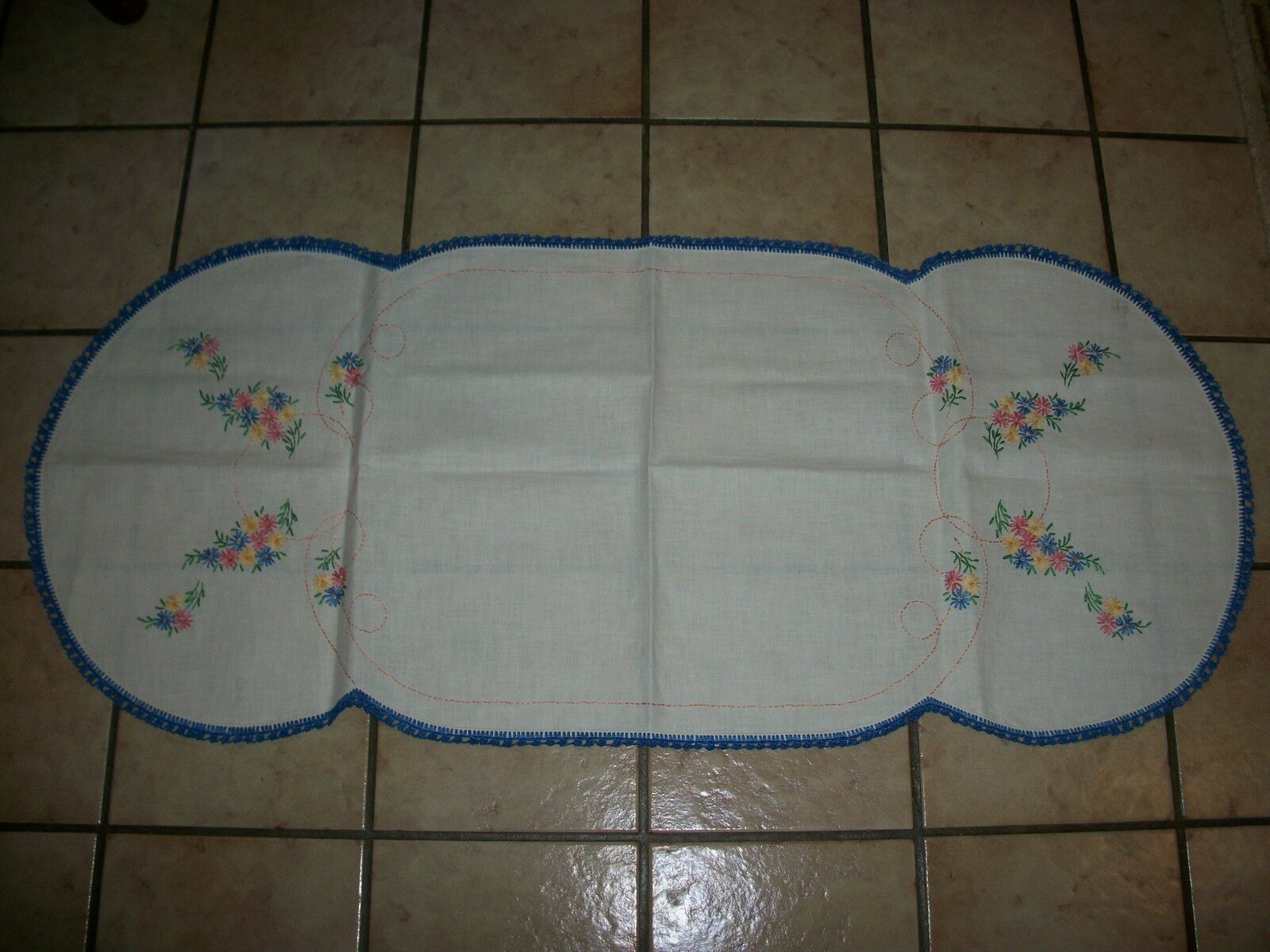 Vintage Hand Crochet & Aiguille Point Nappe Table Runner taille 17  X 41