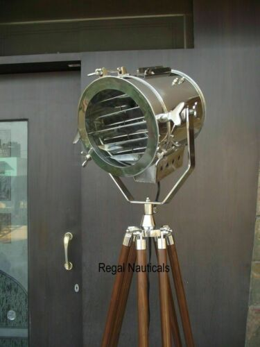 NAUTICAL REPRODUCTION SPOT SEARCH LIGHT SPOTLIGHT W//FLOOR WOODEN TRIPOD STAND ..