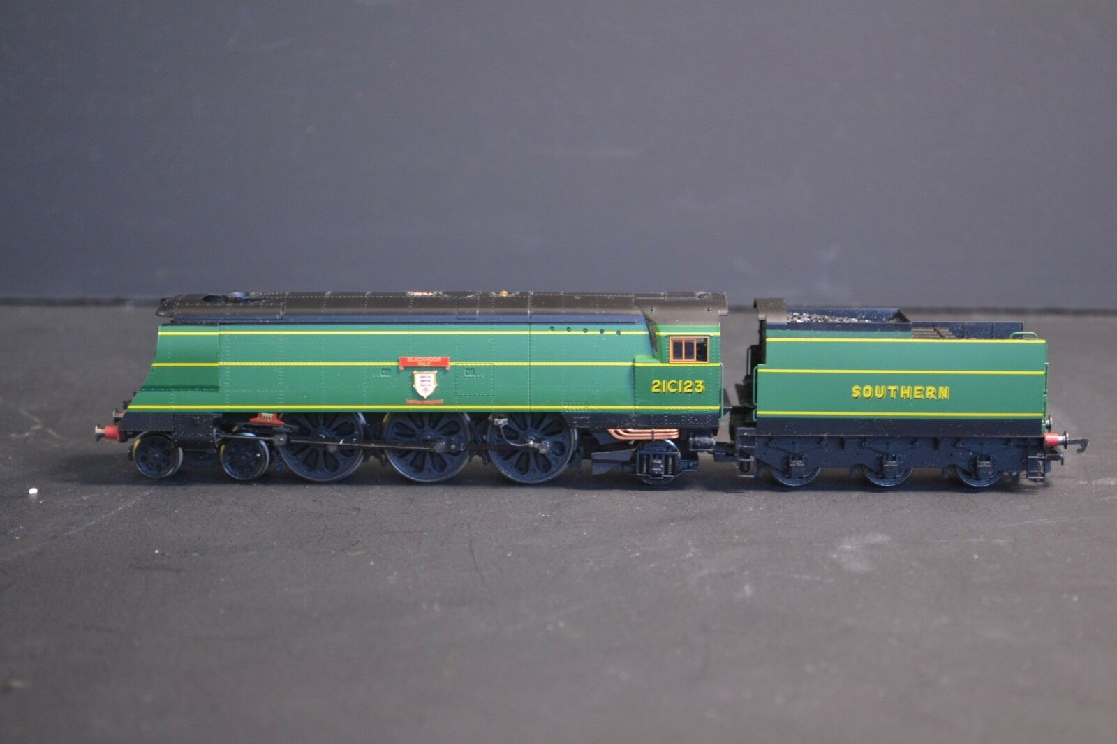 Hornby R2219 West Country Class negromoor Vale 21C123