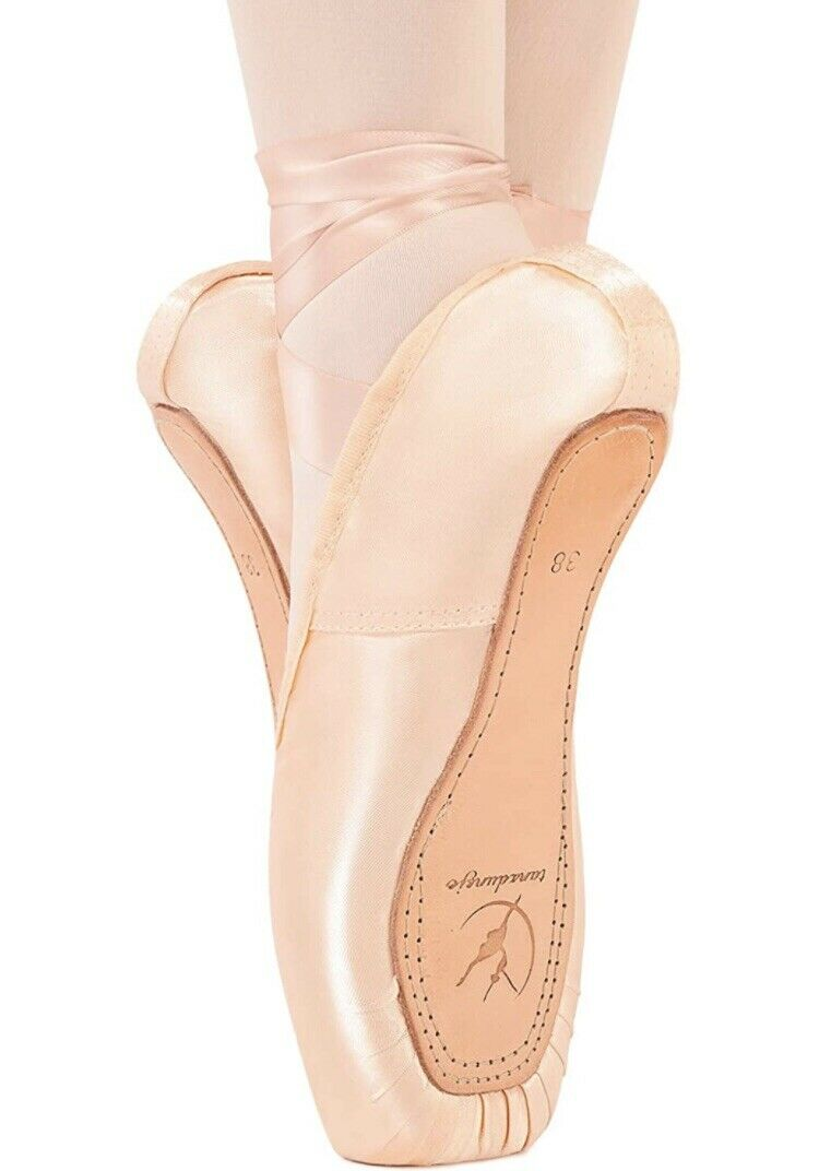 TANZDUNSJE BALLET SHOES SEWN IN RIBBON WITH SILICONE TOE PADS UK 1 / EUR 32 NEW