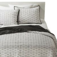 Triangle Grid Quilt - Room Essentials™