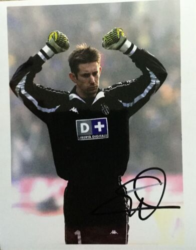 Edwin Van der Sar Juventus legend signed 10x8 photo UACC AFTAL Registered Dealer