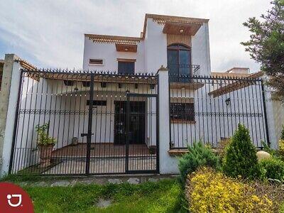 Casa con extraordinario diseño y doble frente a la venta en Monte Magno, Xalapa