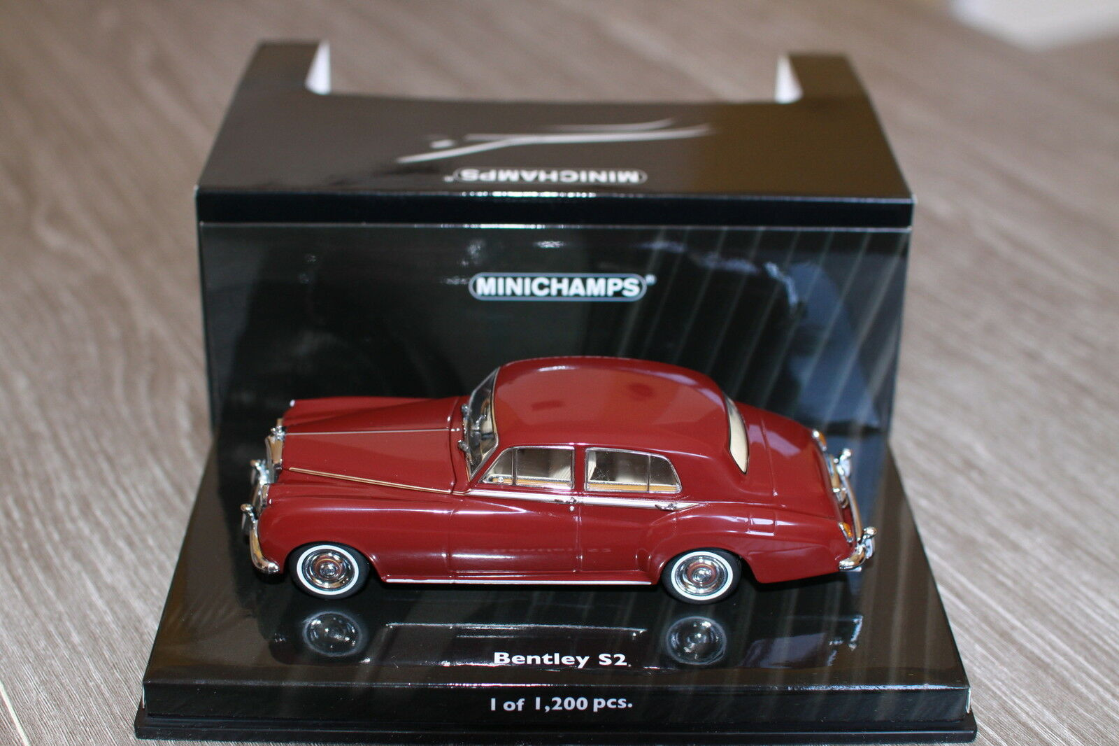 BENTLEY S2 STANDARD SALOON 1960 rouge MINICHAMPS 436 139951 1 43 LIMITED EDITION