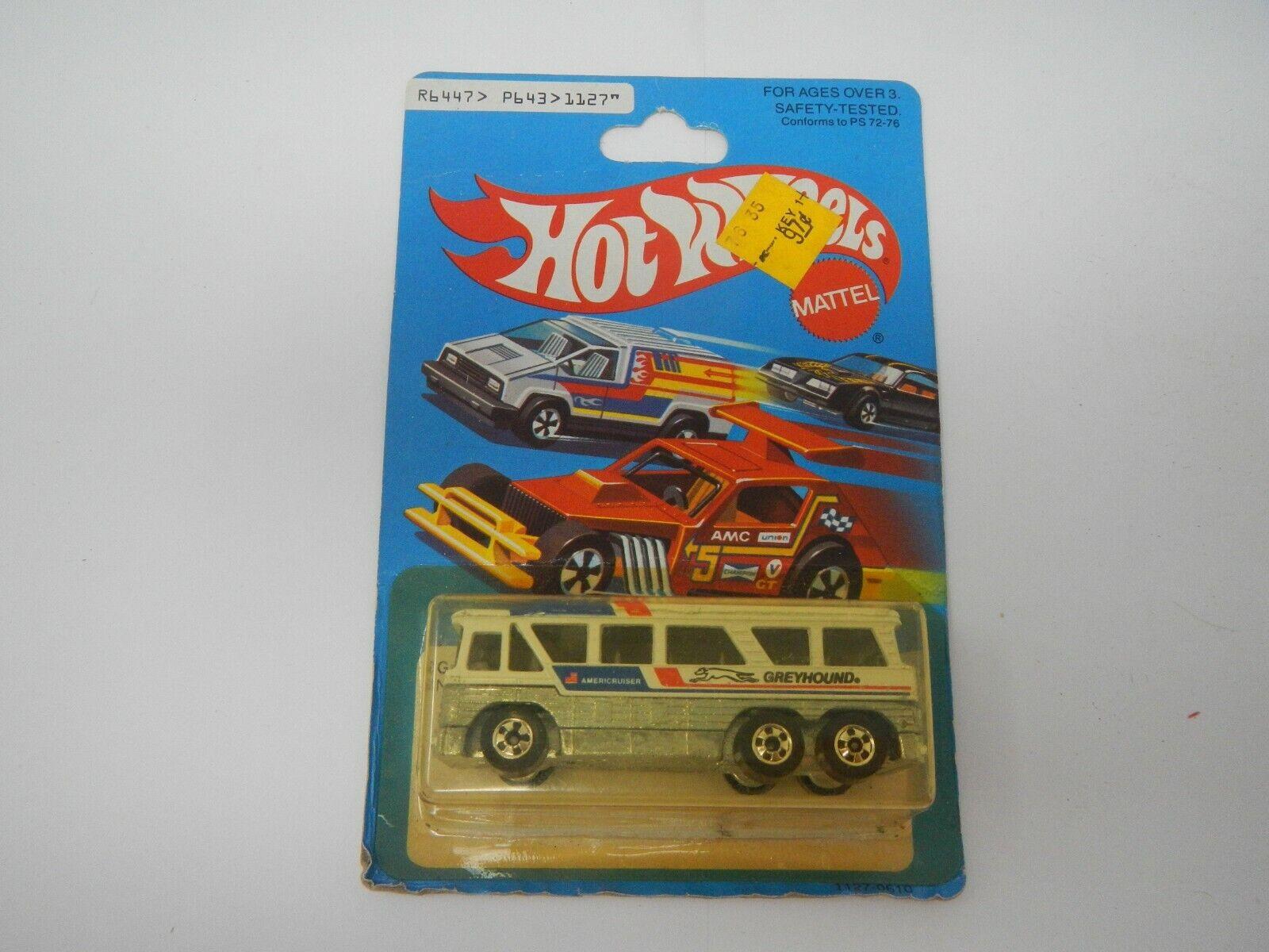 Hot Wheels grauhound MC-8 No. 1127 (1)