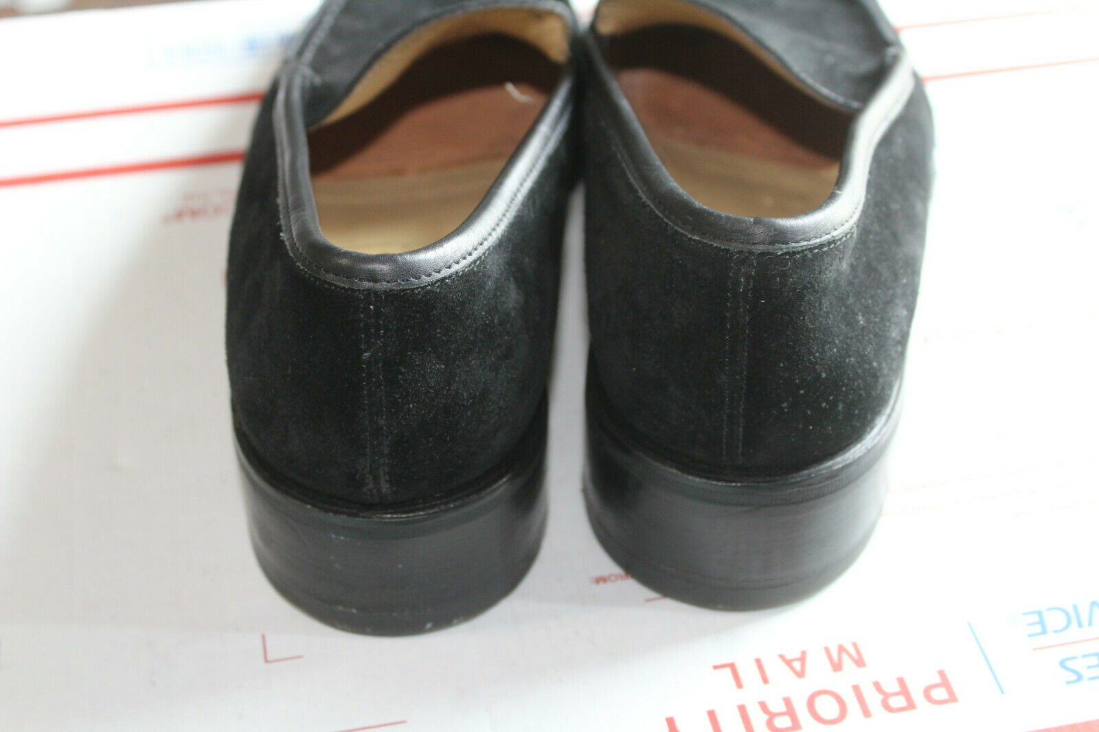 GUCCI MEN'S BLACK SUEDE LEATHER  LOAFERS SIZE  10 - image 4