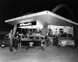 First-McDonalds-Opened-by-Ray-Kroc-in-1955-Des-Plaines-IL-8x10-Photo-I-258