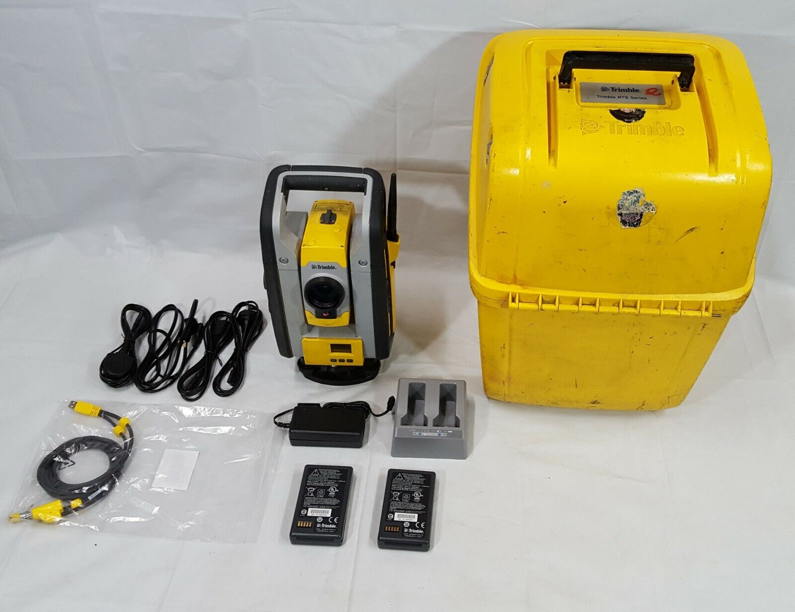 Trimble RTS773 Vision DR HP Robotic Total Station w/ Batteries & Charger in Case