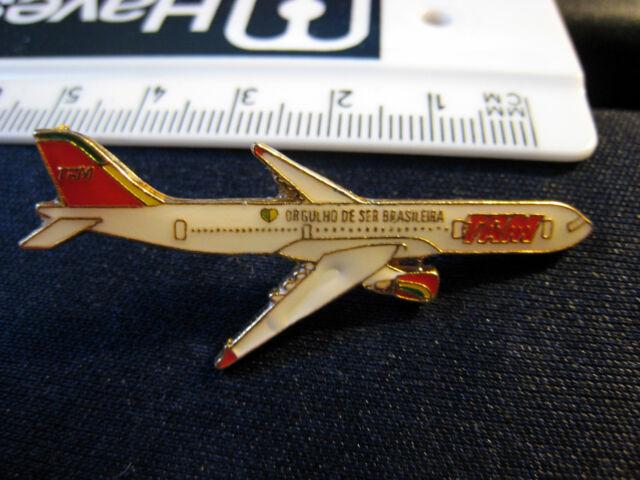 RARE BRASIL TAM AIRPLANE SHAPED METAL PIN BADGE - i1xou11t2r5