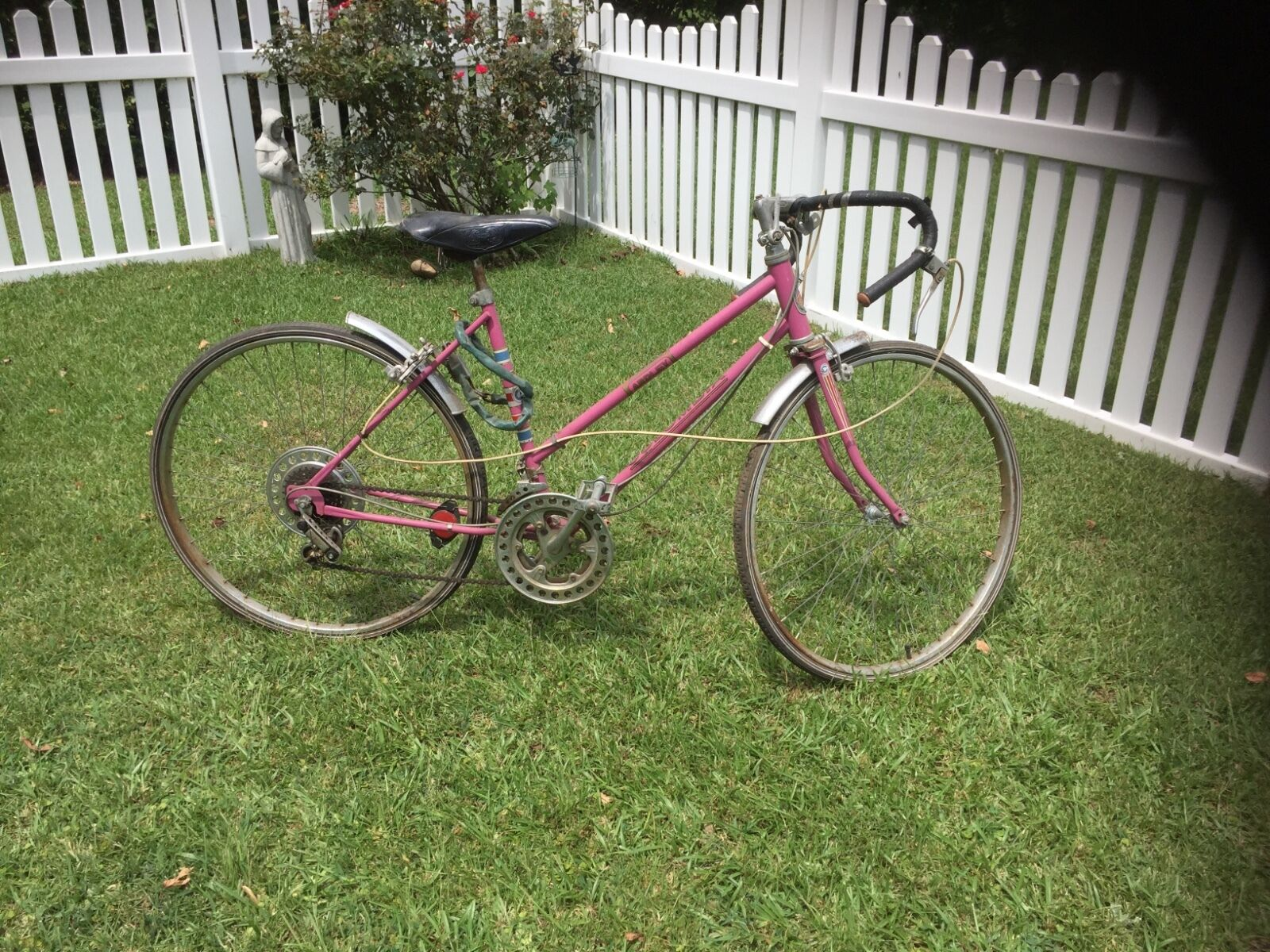 10 speed Columbia bicycle vintage womens pink
