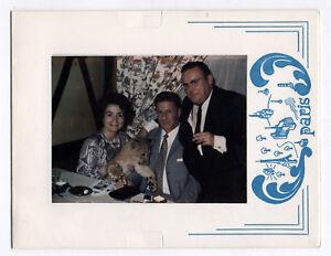 PHOTO-COULEUR-1970-Polaroid-Land-Bebe-Lion-Lionceau-Curiosite-Restaurant-Drole