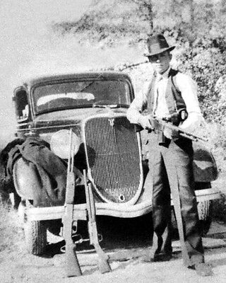 Historical Memorabilia Young Clyde Barrow 'gun Pose' Glossy 8x10 Photo Poster Print Bonnie Parker