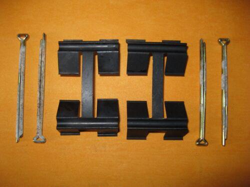 AUSTIN MORRIS 1100,1300 TRIUMPH TR 7 BRAKE PAD FITTING KIT 62-67 PINS /& CLIPS