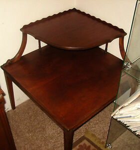 Vintage Corner Table Pie Crust Border 2 Tier Solid
