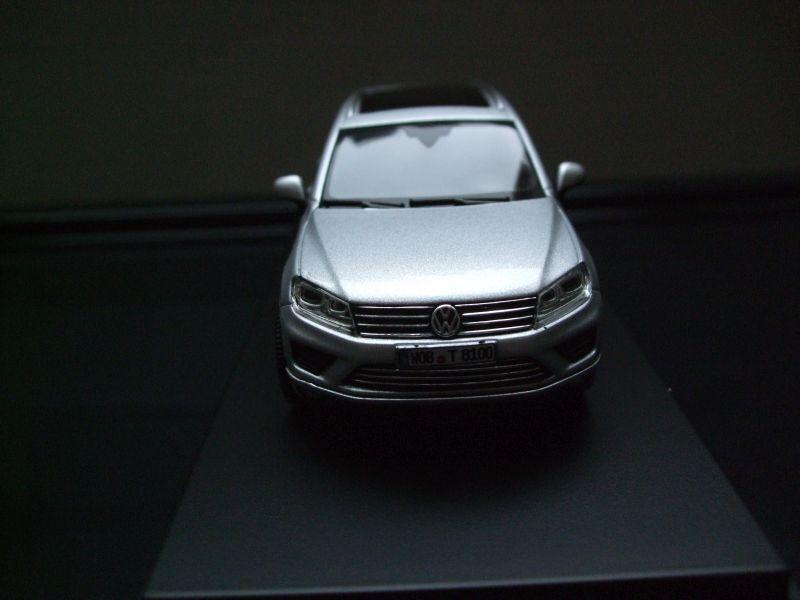 Herpa Modell in 1 43 43 43    VW Touareg 2015 in Reflexsilver Metallic 0d4516