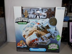 Ensemble de boîtes Star Wars Galactic Heroes Millennium Falcon 2004 Nouveauté dans la boîte (389 BTU)
