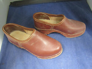 561af8ed32301 Details about Pair of Vintage Dutch Holland Wooden Clogs Shoes Hand Carved  Antique