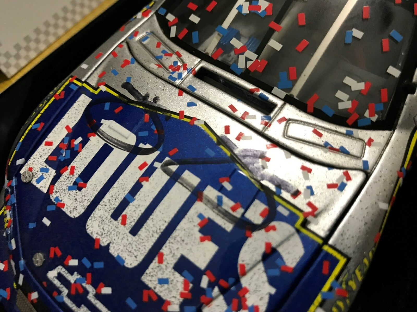2006 Jimmie Johnson SIGNED Daytona 500 Race Win Lowes Champ Champ Champ ELITE car 1 of 200 8b8a94