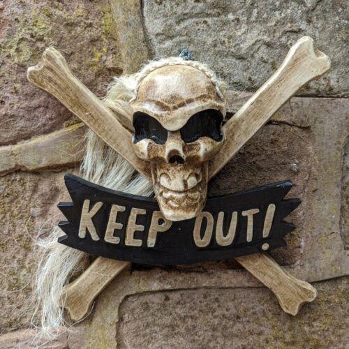 Tenir hors porte en bois signe avec cheveux Crâne Et Croix Os Jolly Roger Effrayant