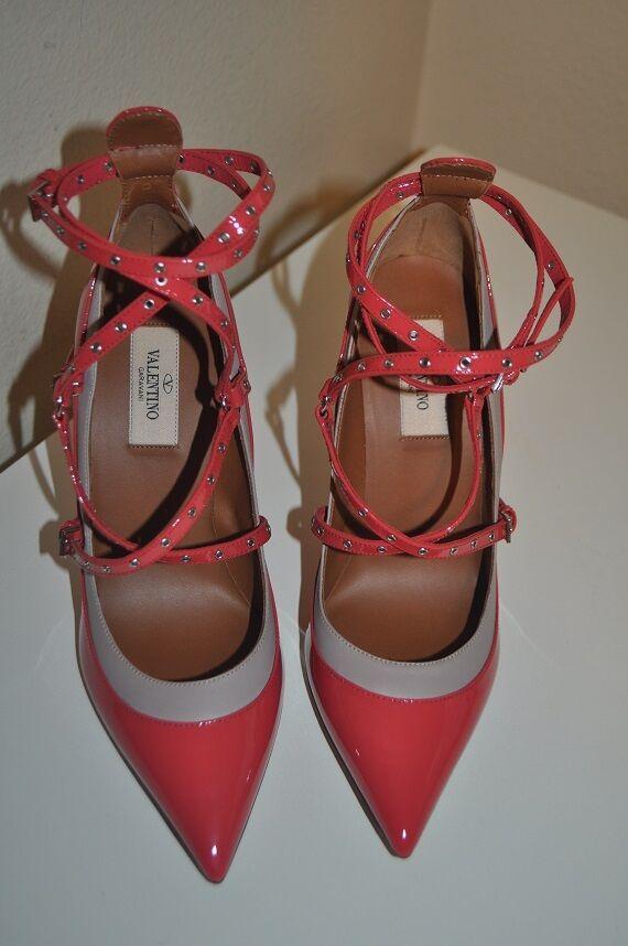 NIB Schuhes VALENTINO Patent Leder Grommet Studded Pointed Toe Pump Schuhes NIB Sz 37 - 7 0d7029