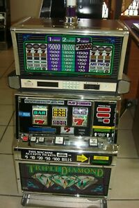Crown Gems Hi Roller Slot Machine