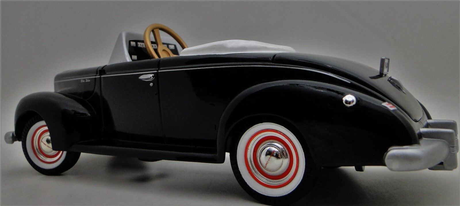 Auto A Pedal 1940s Ford Vintage Metal Negro Coleccionista     leer la descripción completa página