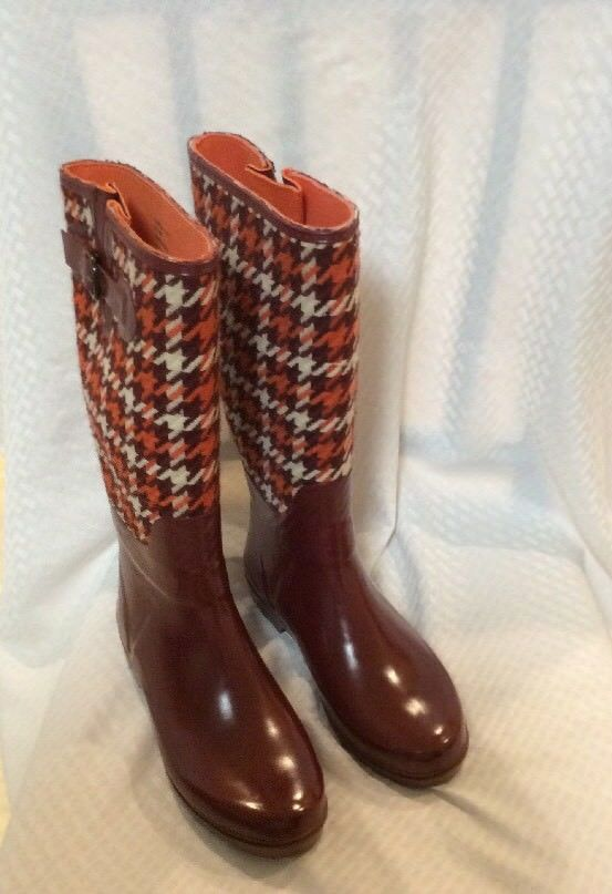 Banana Republic Women's Rainboots  Size 7   EUC  Color Burgundy W/Multi Top