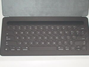 US-UK-Apple-Smart-Tastatur-iPad-Pro-12-9-034-Bluetooth-QWERTY-MJYR2ZM-A