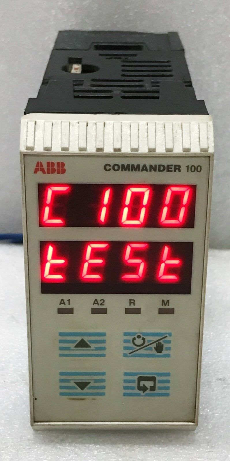 ABB C100 0000 STD Commander C100 1 8 DIN Universal Process Controller FOR PARTS