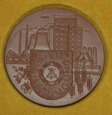 Meissen Ddr Medaille - 20 Jahre Zivilverteidigung Exquisite Handwerkskunst;
