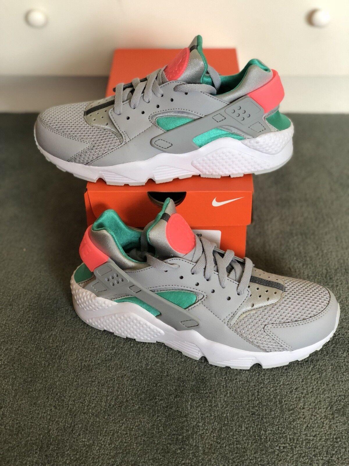DS Men's Nike Air Huarache QS