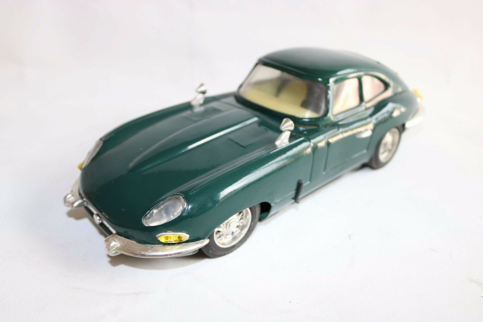 Jaguar E Type tinplate sports car racing green friction near mint original model