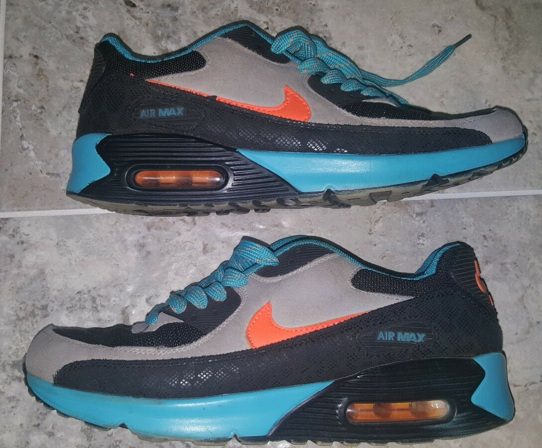 Super Rare 2000 Nike Airmax Men's Size US8.5 UK7.5 VINTAGE AND HARD TO FIND