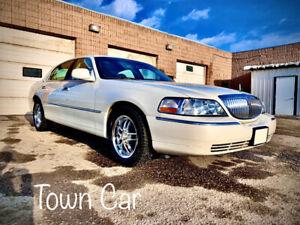 2005 Lincoln Town Car - 150,000 Kilometres!
