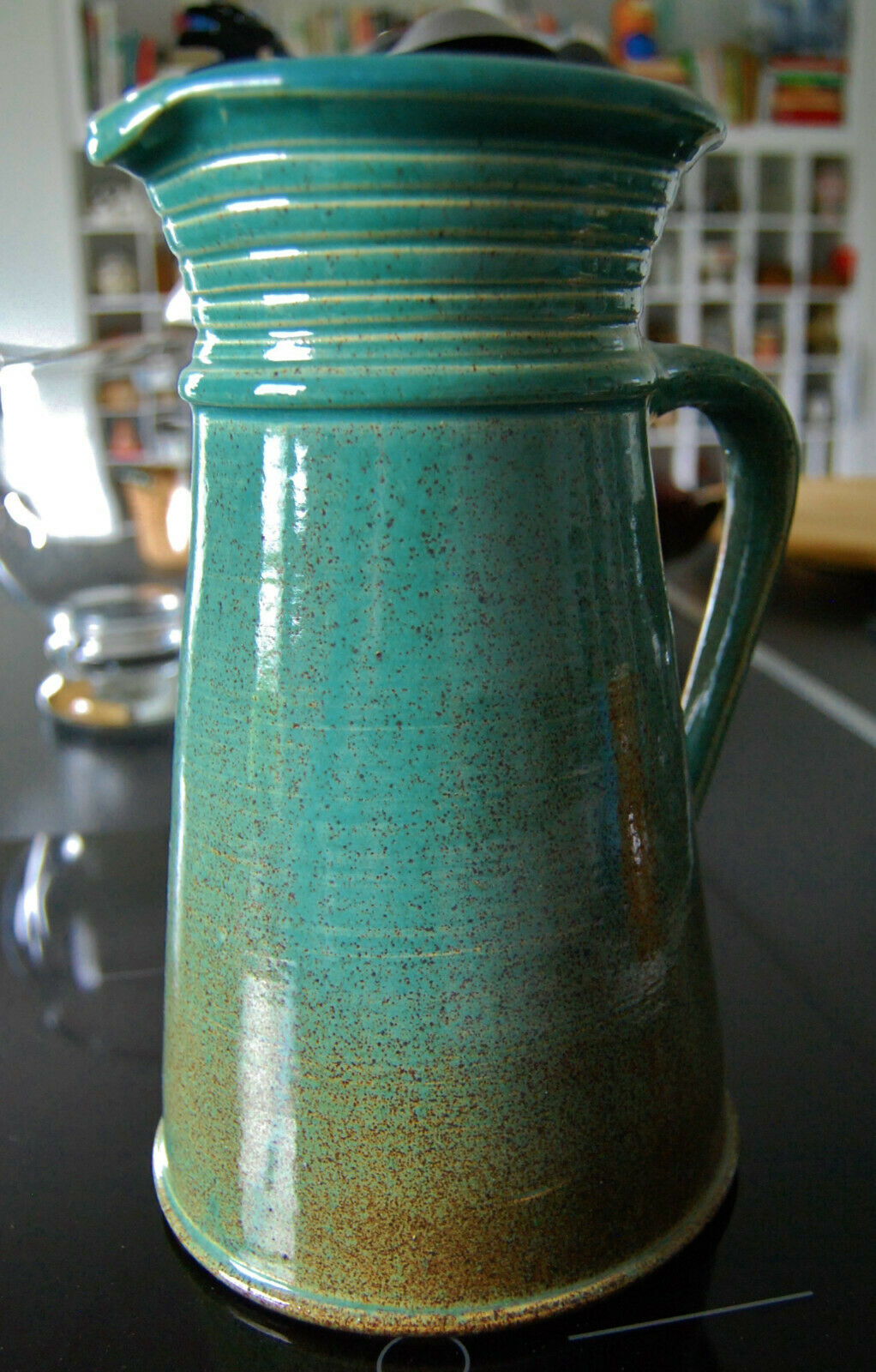 Landhausstil  Kanne Saft-Krug  handgearbeitet  Studio-Keramik  art pottery 26 cm