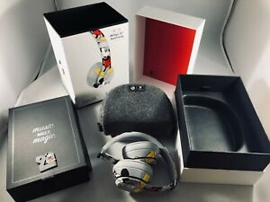Beats By Dr Dre Solo3 Wireless Headphones Mickey S 90th Anniversary Edition 190198897237 Ebay