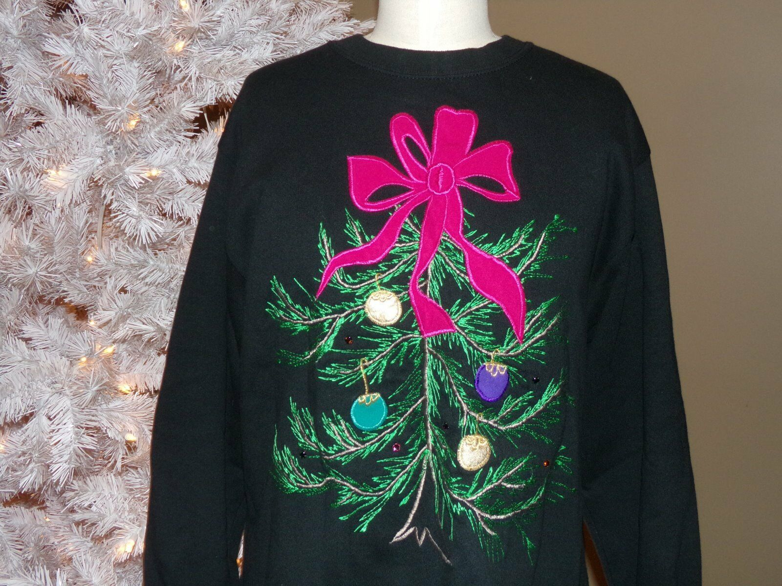 NEW Christmas SWEATSHIRT Embroidered TREE & ORNAMENTS Sparkly Rhinestones XL