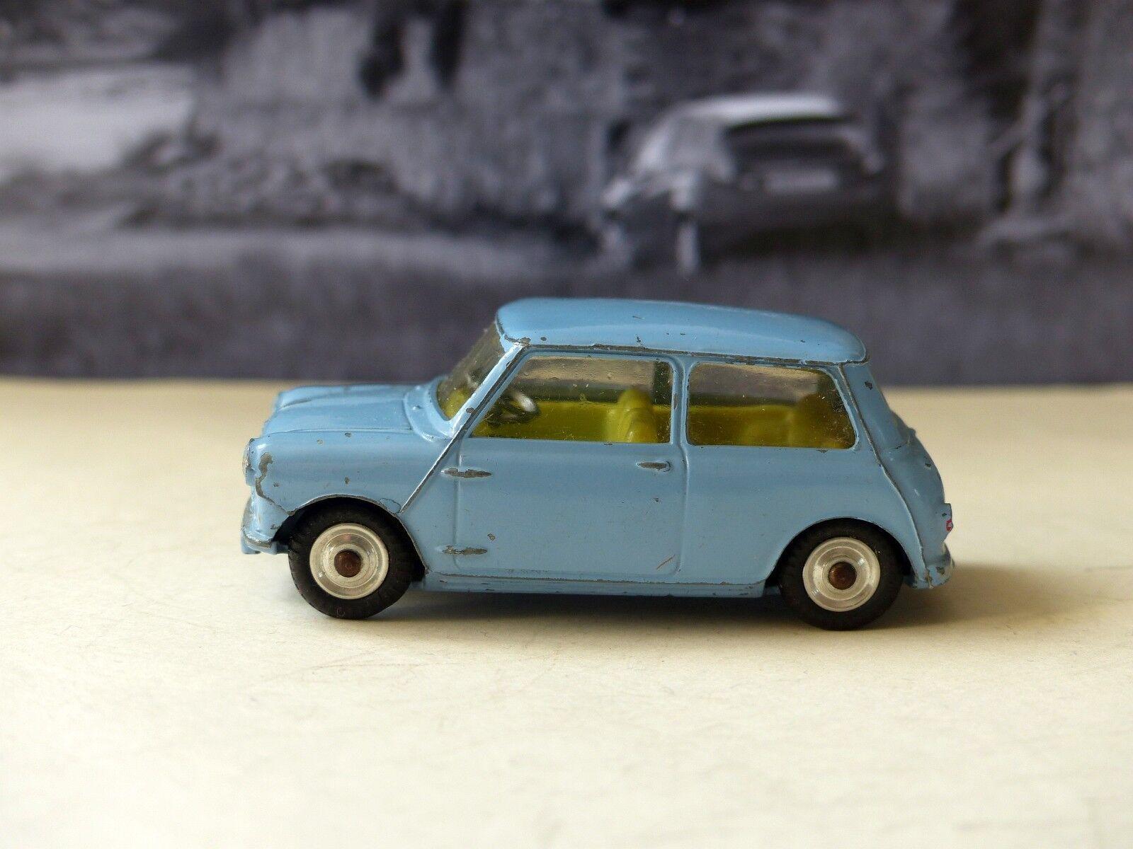 CORGI TOYS 226 Morris Mini Minor bleu pâle avec intérieur citron