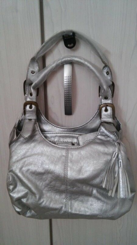 06955d96db060d Ladies Handbags at wholesale prices. From R100 to R200. Teen bags fromR 50  and R 80 0825597759 wats
