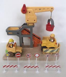 ELC-Happyland-Construction-Site-Bundle-With-Vehicles-Road-Signs-amp-Figures