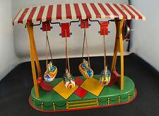 JW Swinging Gondola Gondelschaukel Germany Blechspielzeug Tôle balançoire clé