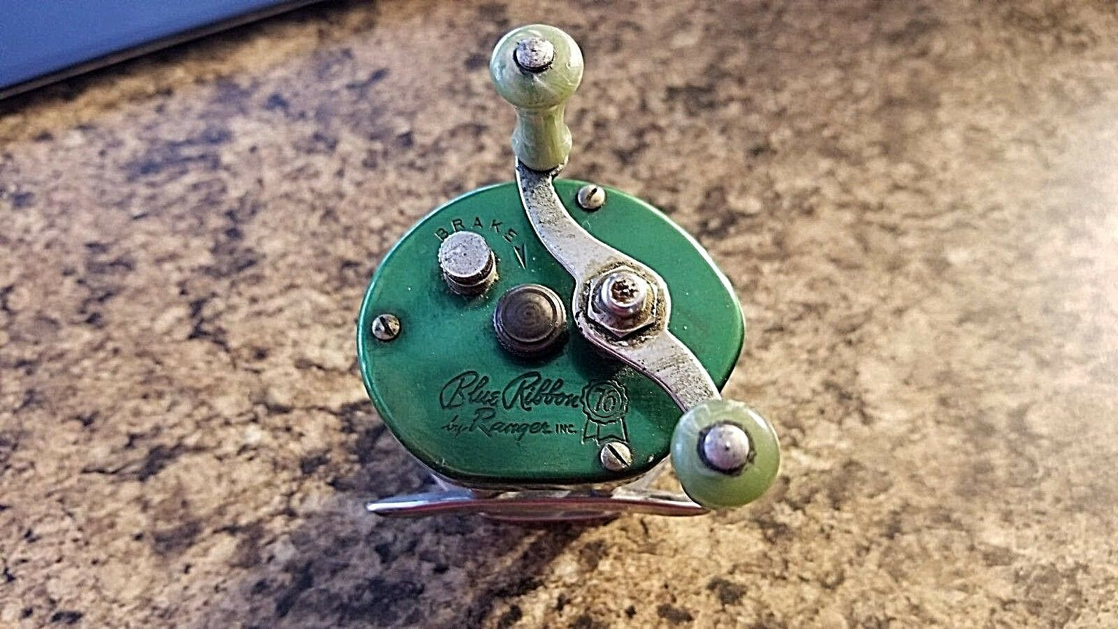 Vintage  bluee Ribbon 76 by Ranger Fishing Reel  big discount prices