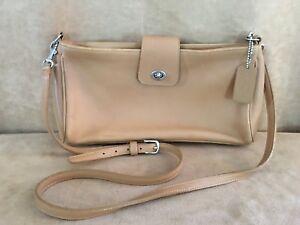 Coach-Vintage-Leather-Tan-Turn-Lock-crossbody-Shoulder-Bag-Handbag-Purse-9818