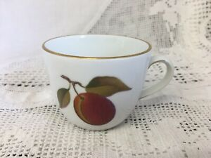 VINTAGE-ROYAL-WORCESTER-EVESHAM-Replacement-Demitasse-coffee-CUP
