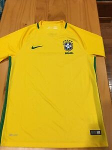 764c352caf5 Brand New Official Nike Brazil 2016 17 Home Staduim Jersey Men s ...