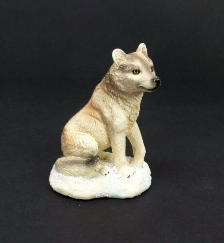 """Small Wolf in the Snow Figurine 3/"""" Tall  Wild Animal Collectible Statue A"""