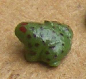 Échelle 1:12 Vert Argile Polymère Grenouille Maison De Poupées Miniature Jardin Pet Accessoire V-afficher Le Titre D'origine 100% De MatéRiaux De Haute Qualité